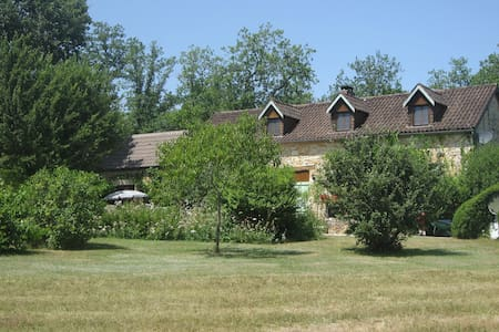 B&B for 2 adults in idyllic cottage + pool - Tourtoirac - Bed & Breakfast