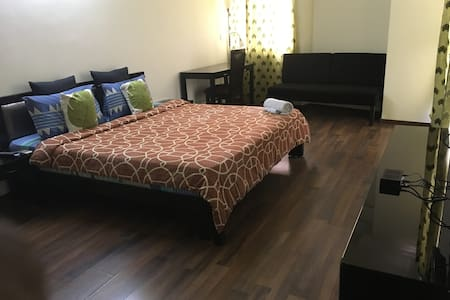 Luxurious Private Penthouse Room - Marathahalli - Bangalore
