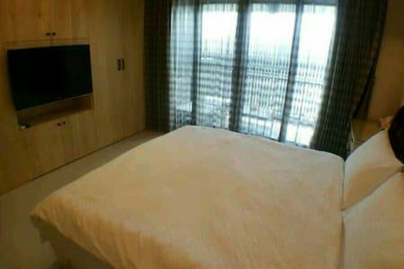 全新豪華舒適小豪宅獨立衛浴,住房免費大台北來回接送服務 - Wohnung
