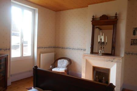 chambre dans une maison de maître - Haus
