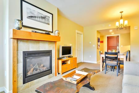 Luxury Ski In/Out In Resort Base Village #4370 - Great Views/Hot Tub/Garage/WiFi - Winter Park