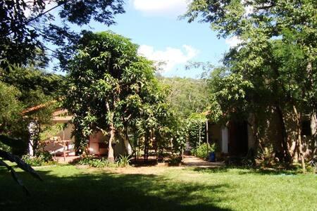 Bungalow en el valle del arroyo Ytu - Caacupé - House