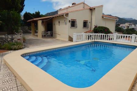 Villa La Foca con piscina privada y gran terraza. - Orba