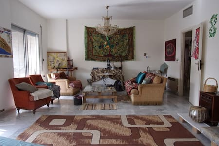 Big room in Mansouriye - Beiroet