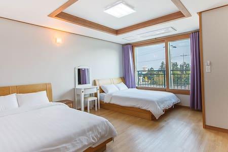 DK House - Seogwipo-si - Apartament