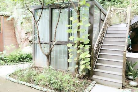 青瓷秋千别院古色古香雪拉同艺术私人住宅 - Hangzhou - House
