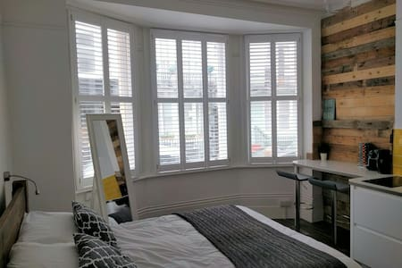 Luxury Beach Studio - Brighton - Apartamento