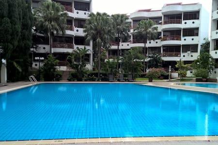 High End low density condominium - Lakás