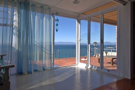 Sea view cottage in Simons Town - Cape Town