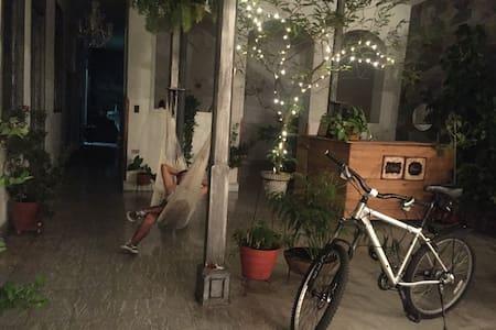Suite Jocker, Zanahoria Hostel, San Antonio - Cali - Guesthouse