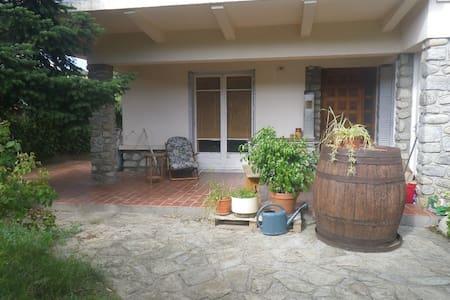 70m² + garden, ground floor terrace - Wohnung
