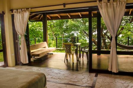 Amazing 2br Ocean view Villa - Santa Teresa - Bed & Breakfast