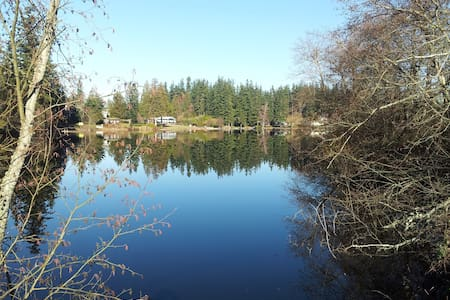 Waterfront Home, Three Boats,  Dock, Hot Tub - Stanwood - Haus
