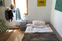 Helles schönes Zimmer nähe München