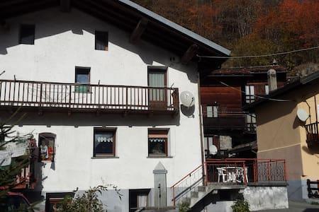 Casa indipendente a pochi Km. da Breuil-Cervinia - Maen