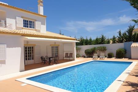 V4 Casa da Praia - Villa