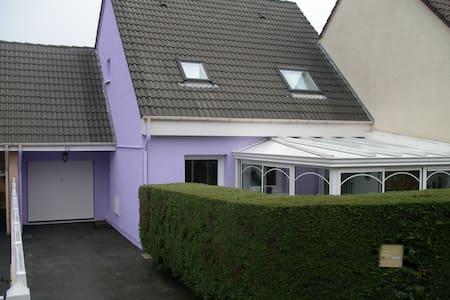 pavillon en ville, 3 chambres - Haus