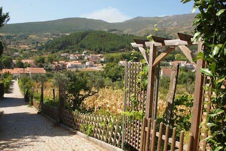 Qta das Vinhas: Casa no centro da Serra da Estrela - Unhais da Serra - Ev