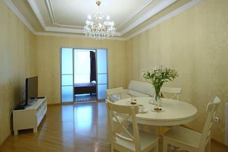 "Апартаменты-студио, ЖК ""Версаль"" - Appartamento"