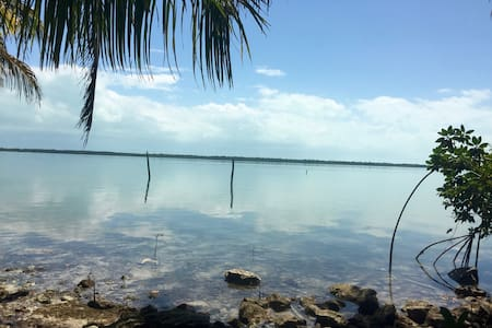 A newly built, large waterfront home - Chetumal