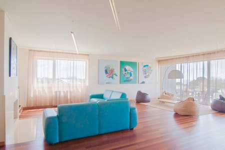 Modern Big Apartment - Lägenhet