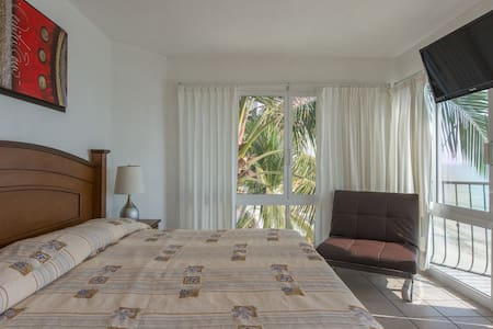 Suite right on the beach - Bucerias - Apartment