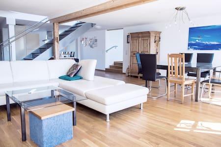 Charmantes Penthouse im Herzen von Ravensburg - Ravensburg - Pis