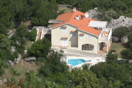 Villa Bila / Natur, Erholung & Pool nur für Sie - Villa
