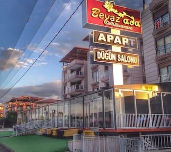 Denizlide otopark sorunsuz apart - Sarayköy