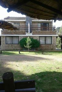 Casas para 4 y 6 personas - House