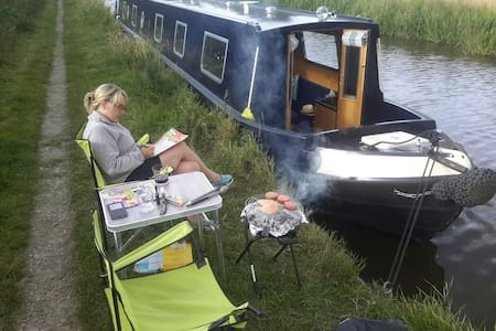 Canal Narrowboat Holiday for up to 8 people - Penkridge - Barco