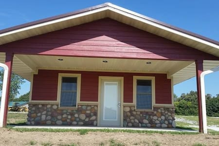 Hidden Falls Cabins & RV Park Cabin #3 - Nebraska City - Cottage