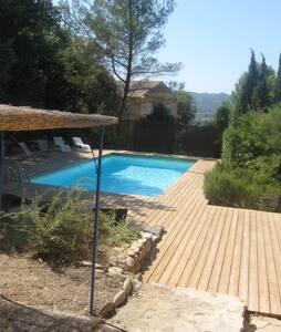 Villa avec piscine au cœur du Lubéron prox village - Lauris