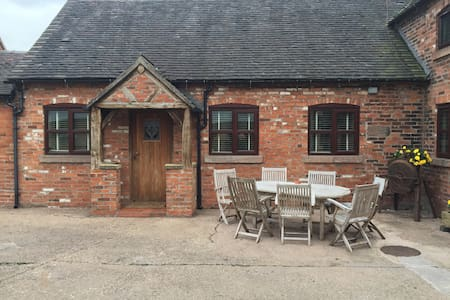 Converted stable on Dairy farm!! - Stoke on Trent