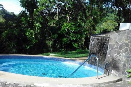 House Condo 5 bed/2 B sleeps 6 Pool - Herradura - Maison