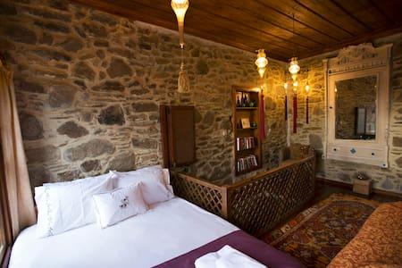 Heritage stone cottage near Ephesus - Şirince Köyü