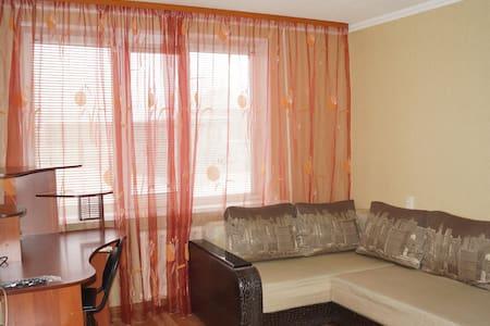 По-домашнему уютная 1-комн квартира - Nefteyugansk - Wohnung