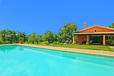 Villa Cleopatra with private pool - Willa