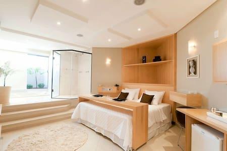 Suites luxo! Completas com hidro - Bed & Breakfast