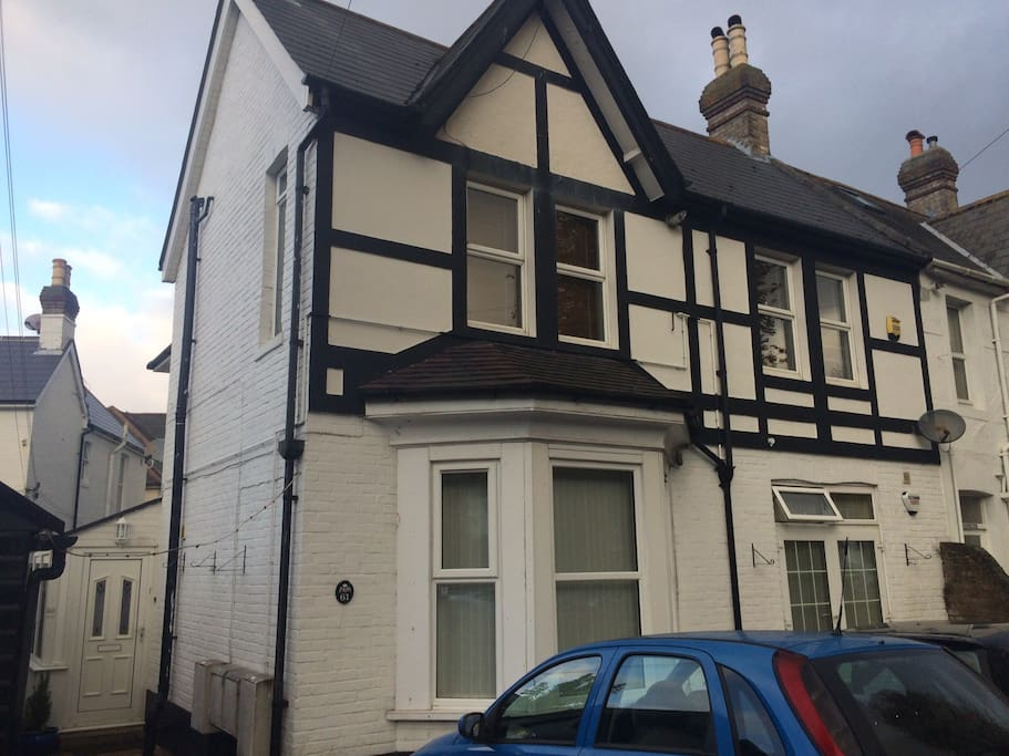 Attractive flat close to beach