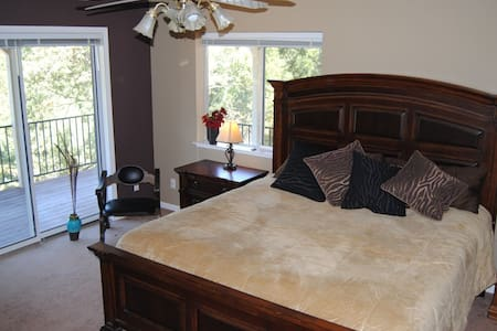 Master Bedroom ~ Private Bath ~ Spectacular View - Casa
