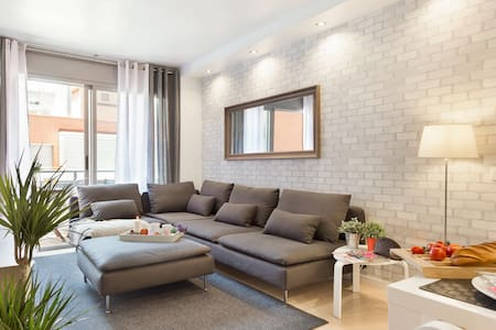 Modern, sunny, family beach & tapas - Apartment