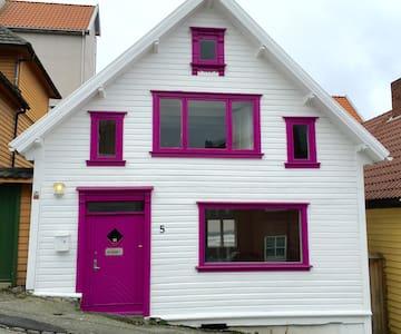 House St Hans, Central Stavanger, close to ferry - Stavanger - House