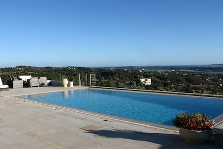Luxury Villa @ Kranidi - Kranidi - Villa