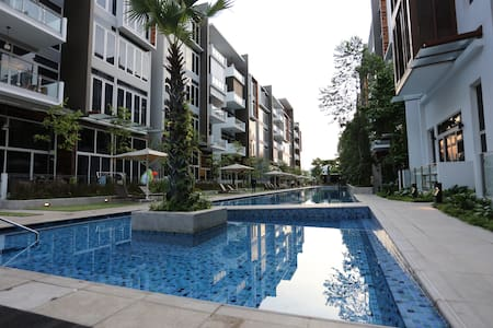 SOHO Condo Resort in Front of Pool and Gym - Singapore - Lägenhet