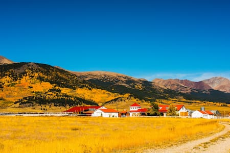 GETAWAY at the RANCH - Old West Village & House - Jefferson