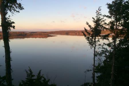 Stunning View of Truman Lake - Casa