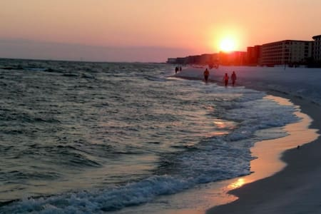 Holidays & Beach! Gulf Views-Heated Pools-Hot Tub - Fort Walton Beach - Társasház