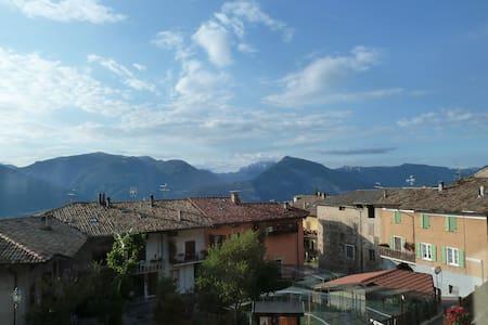 Trentino, Italy. Stunning views, great walking. - Huoneisto