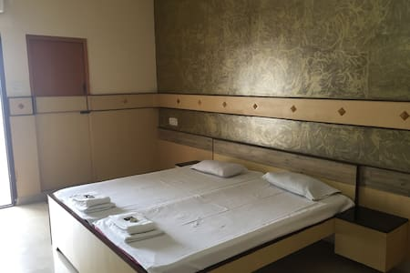 ROYAL CLUB ROOM - 2 BD AC - Coimbatore  - Appartement